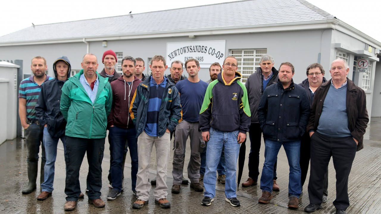Farmers protest at Newtownsandes Co-op