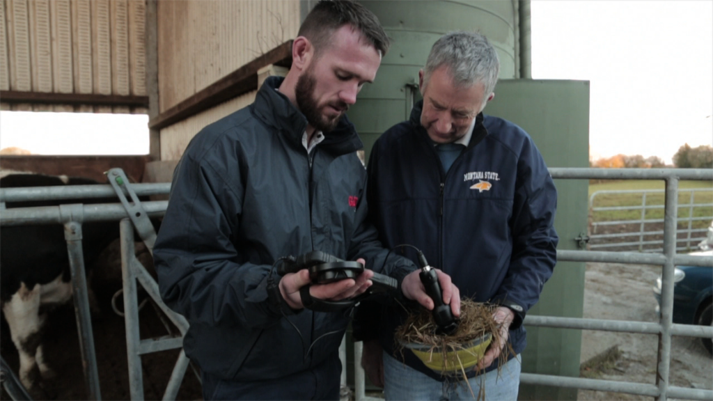 Ross Brady, GAIN Feeds testing Cormac Kelly's silage with the NIR4 scanner in Tubber, Co. Offaly.