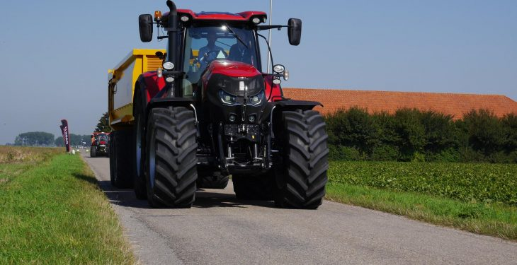 Farmers urged to 'switch off' work lamps before road use this winter