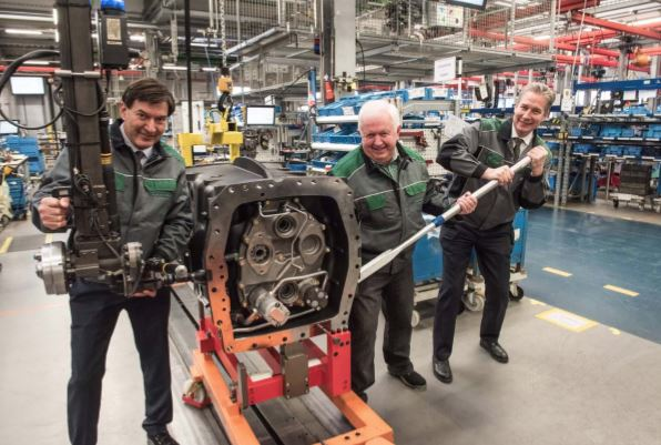 250,000th Fendt Vario transmission has just rolled off the
