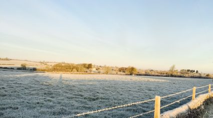 Weather warnings in place with temperatures set to drop to -5 degree