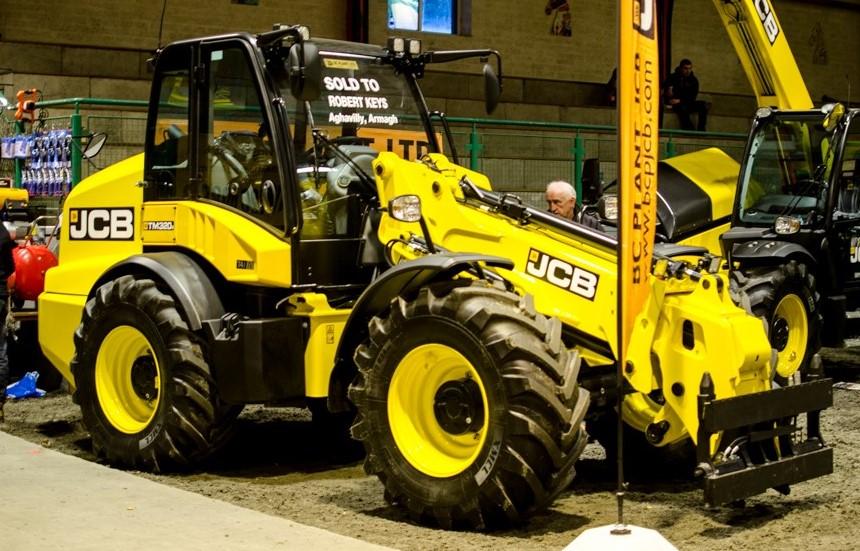 Fintona farm machinery show telescopic handler
