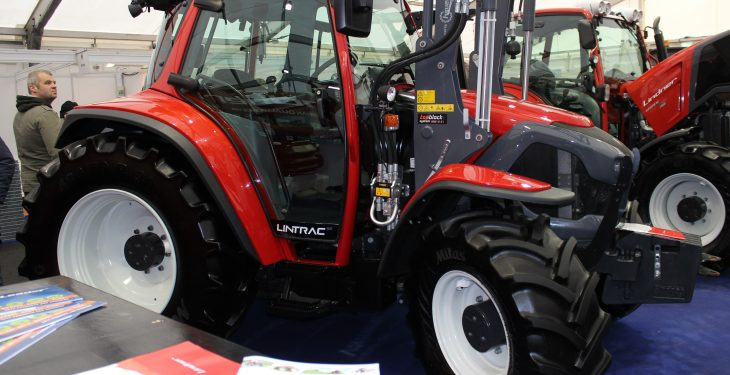 Striking look for Lindner at FTMTA Farm Machinery Show