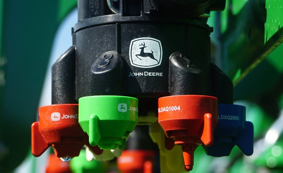 Deere's six-nozzle system will 'boost sprayer accuracy'