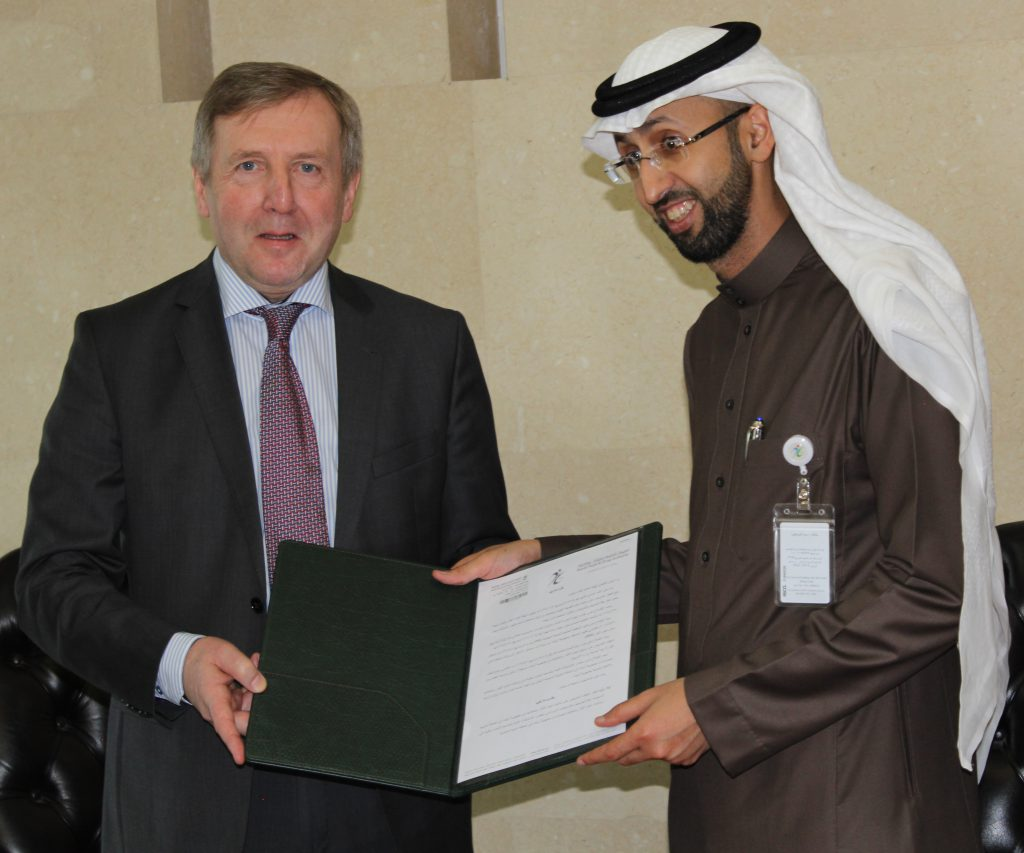 Minister Michael Creed and Prof. Dr Hisham Saad Aljadhey, the Executive President of the Saudi Food and Drug Authority (SFDA)