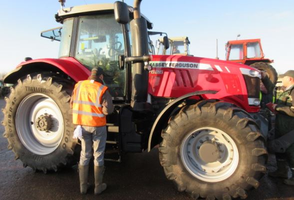Cheffins, Auction, Tractor