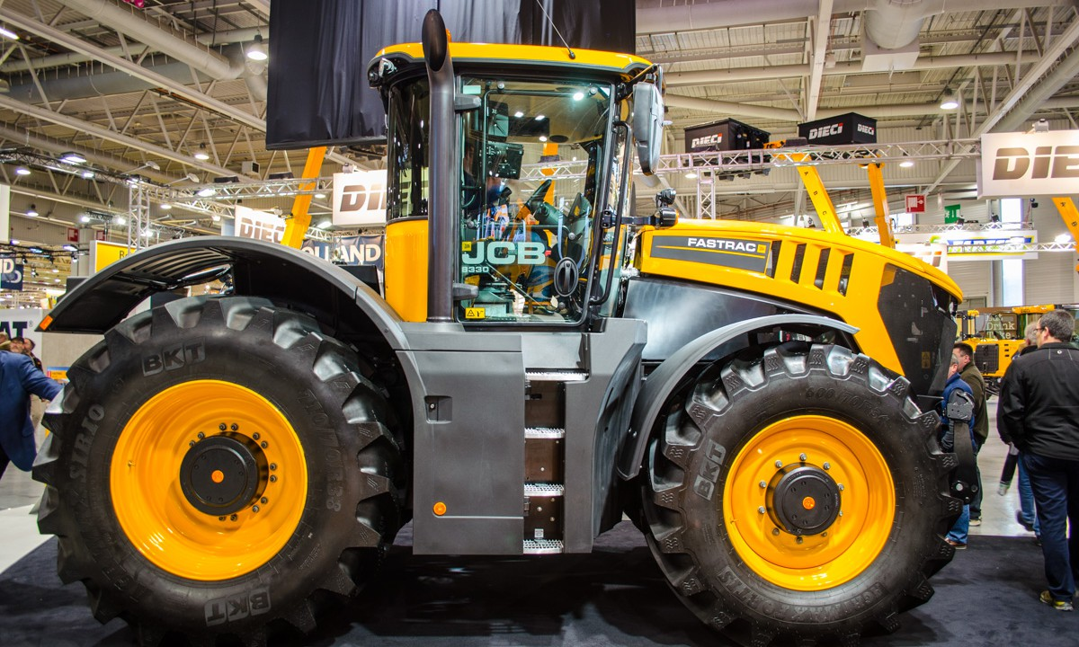 Giant Fastrac adds to JCB's accolades at SIMA 2017
