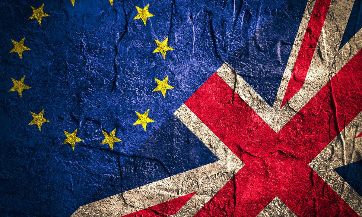 Decision on Brexit talks expected imminently – but border paradox remains