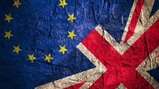 Trade deal formally approved between the UK and the EU
