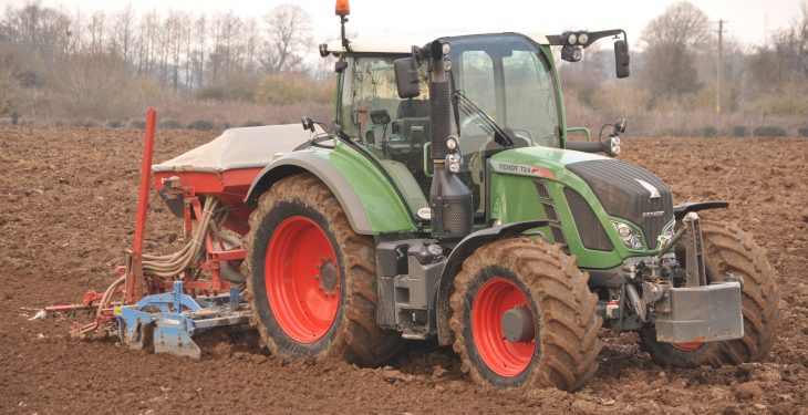 Chart: Fendt holds 4 of the 5 top positions in German tractor rankings