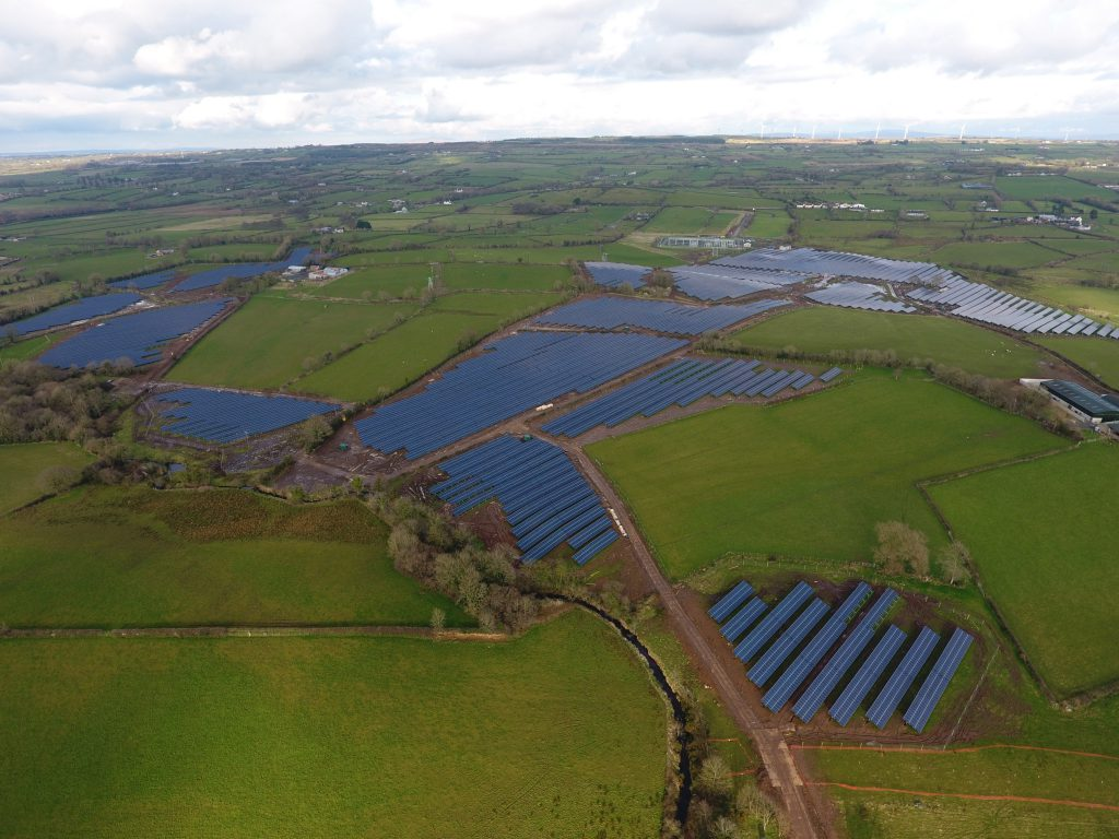Pics 50m and 194ac for ireland 39 s 39 biggest solar farm for Solar ranch