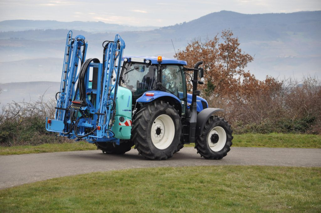 Details 'unfold' of Berthoud's latest sprayers - Agriland ie