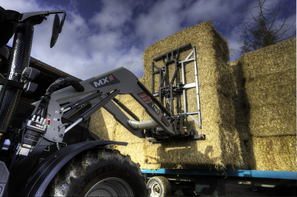 The front loader that puts everything 'under your thumb' - Agriland ie