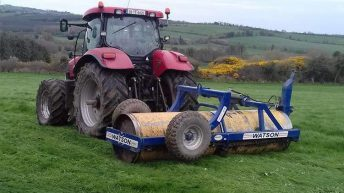 Contractors urge farmers to roll silage ground now