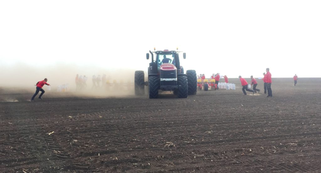 New World Record For Sowing Maize Set By Case Ih And Vaderstad