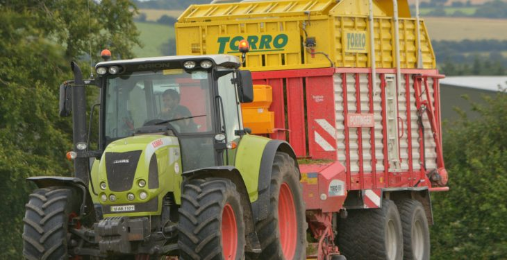 How much do contractors charge per acre for 'wagon' silage?