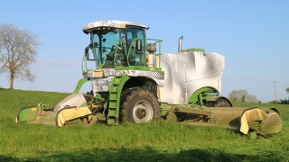 'Easily cut over 200ac a day and still get home for tea'