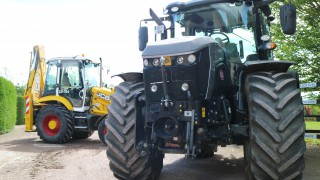 Coolmore adds special, striking JCB 'steeds' to its fleet
