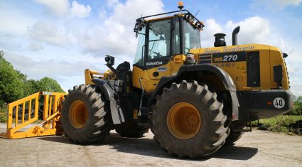 Video: Watch this Komatsu tackle 'wagon' silage in the midlands