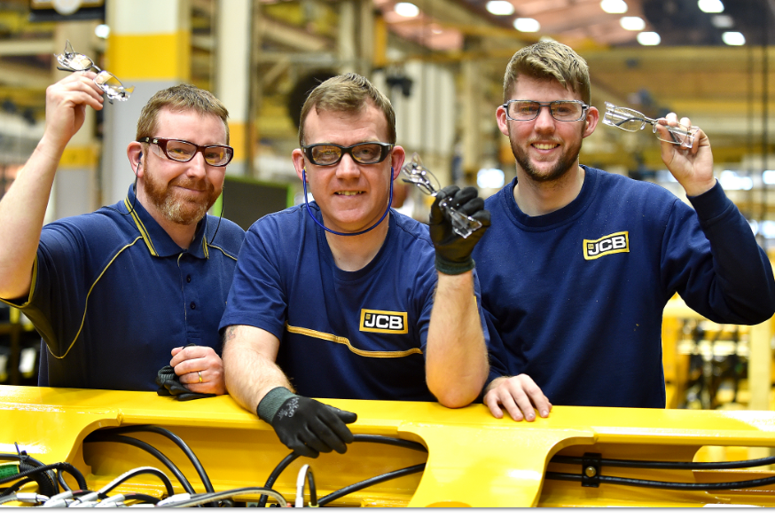 637d351c1460 JCB sets its sights on new merchandising channels - Agriland.ie