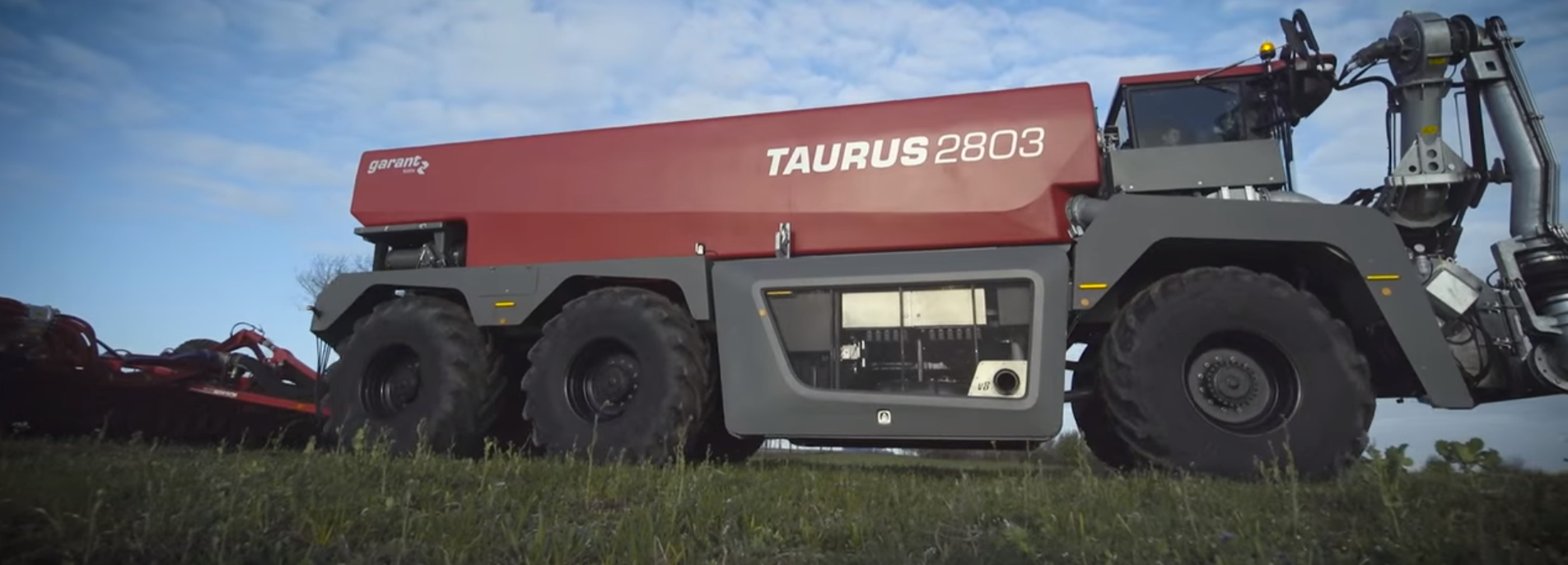 Video: Giant 650hp slurry tanker on the way to UK