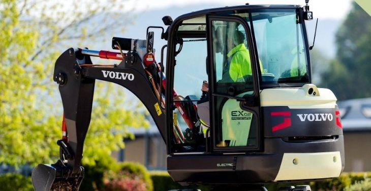 Watch: Volvo's 100% electric mini-digger in action
