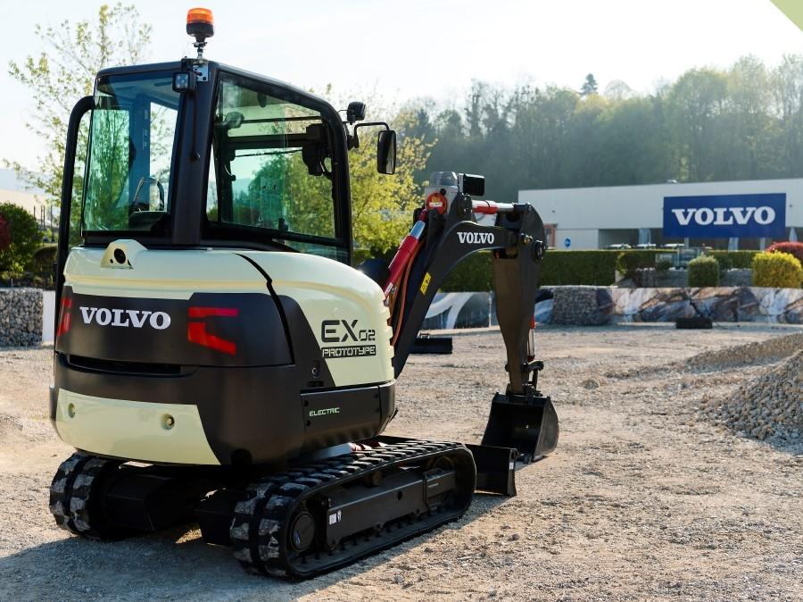 Volvo EX2