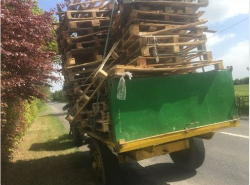 Pic: Tractor driver receives penalty points and a fine for towing unsecured load