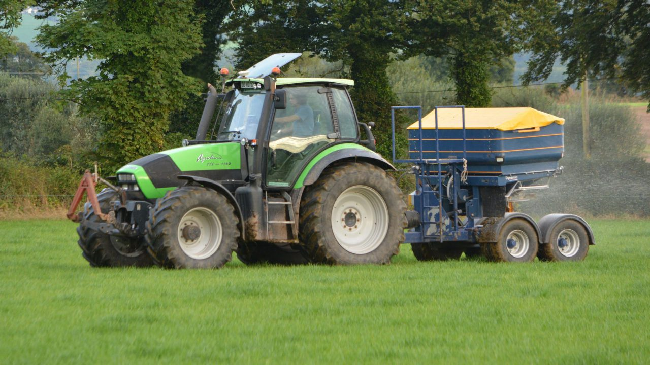 How much should you pay for fertiliser?