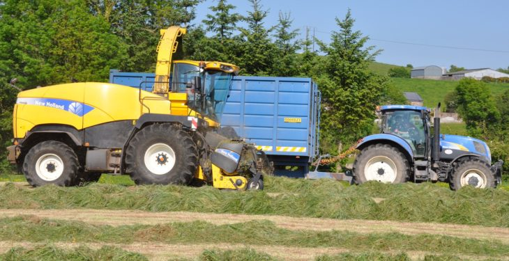 Contractors may have to up silage harvesting prices due to 30% jump in grass yields