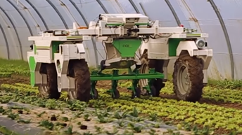 Video: Have your weeding done by robot Dino