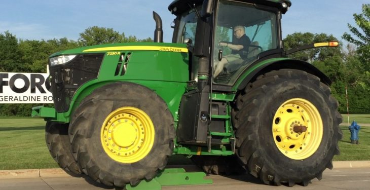 Video: Big Deere gains and sheds weight in an 'EZ' manner