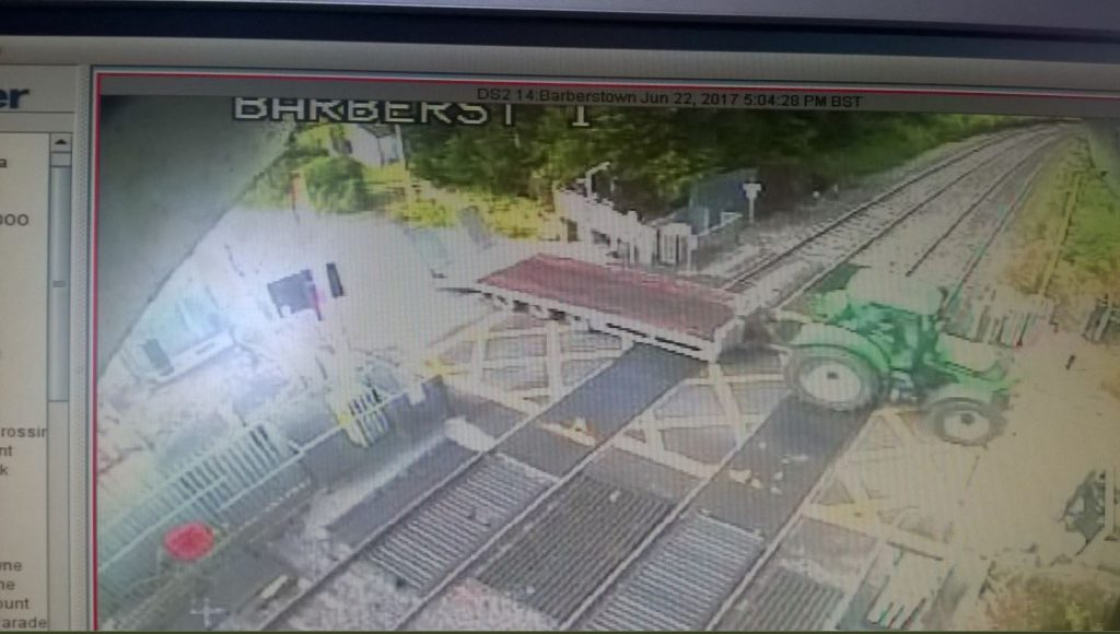 tractor, level crossing