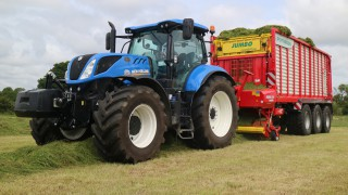 Pics: Tri-axle wagon is a 'weapon of grass destruction'
