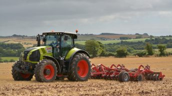 Farmers must adopt a 'zero-tolerance policy' on black grass
