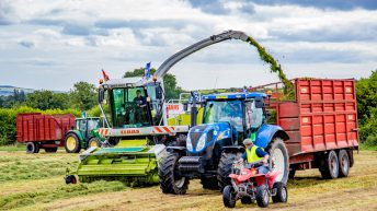 Silage fundraiser 'opens new chapter' in female participation