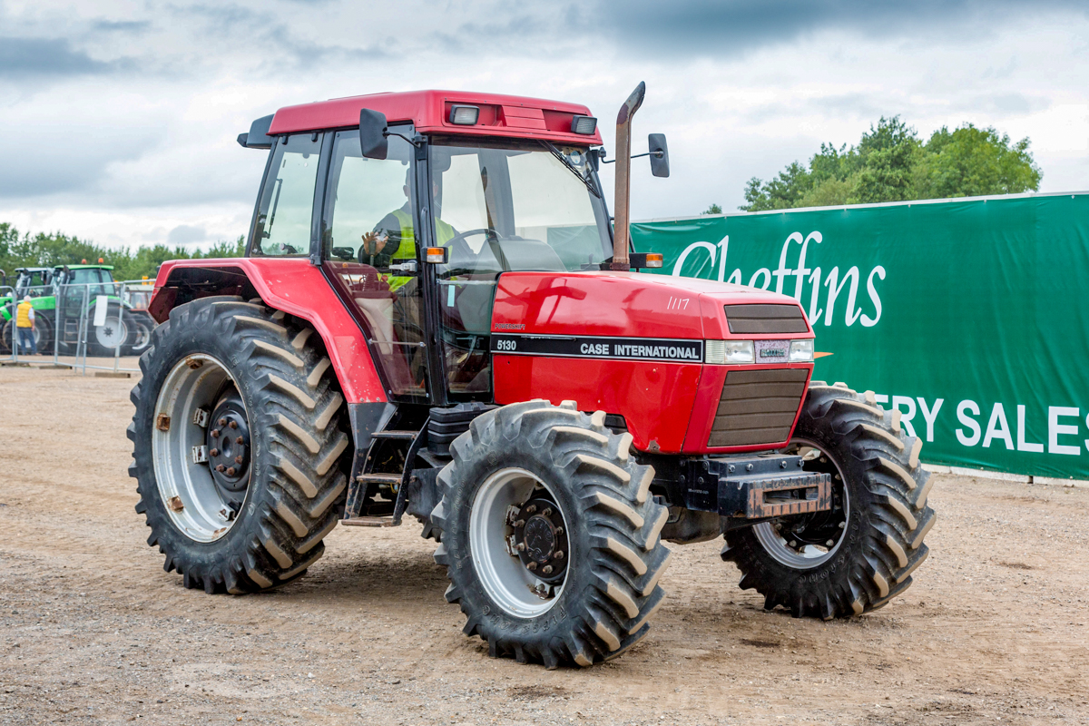 Auction report: Tractor pics and prices from the 'monster' Cambridge