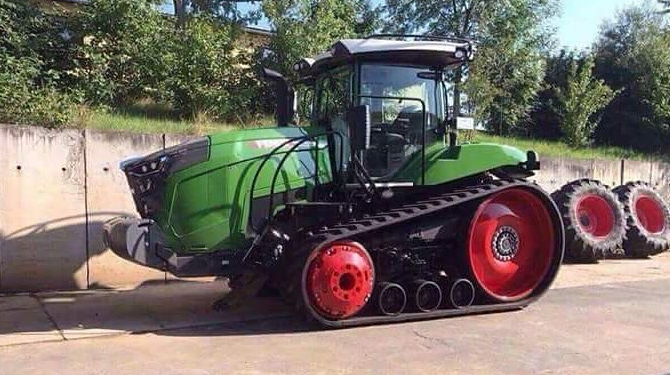 First 'green' Fendt-badged Challengers 'spotted'