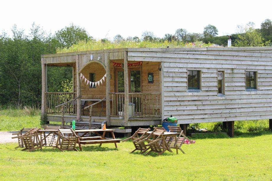 From 'glamping' to stone work, smallholders mix it up