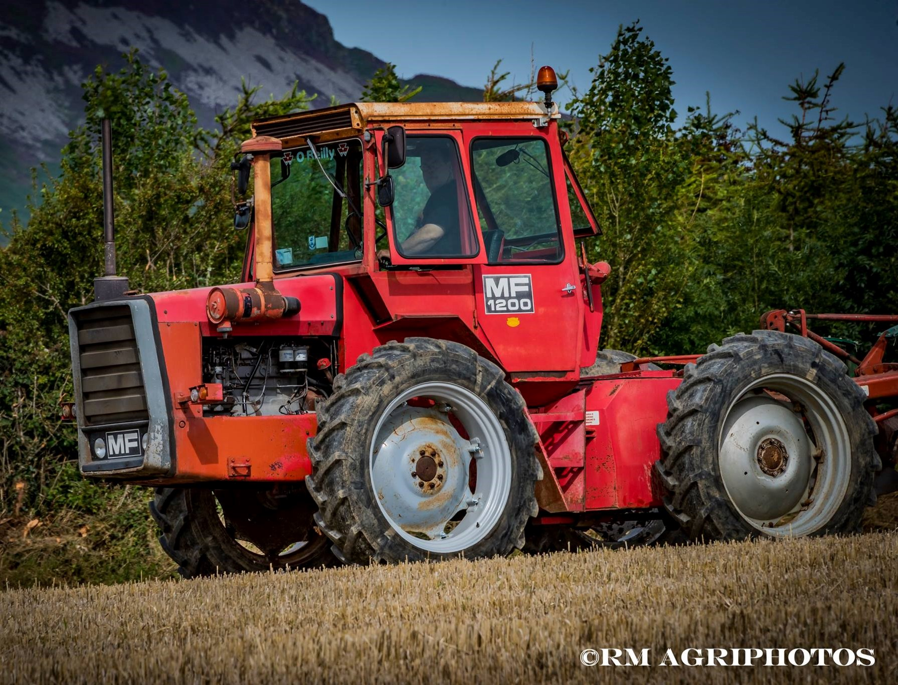 Pics Eye Catching Classic Tractors Turn The Sod At Cooley