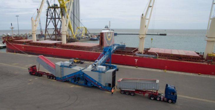 Over 26,000t of barley departs UK shores on a 200m long vessel