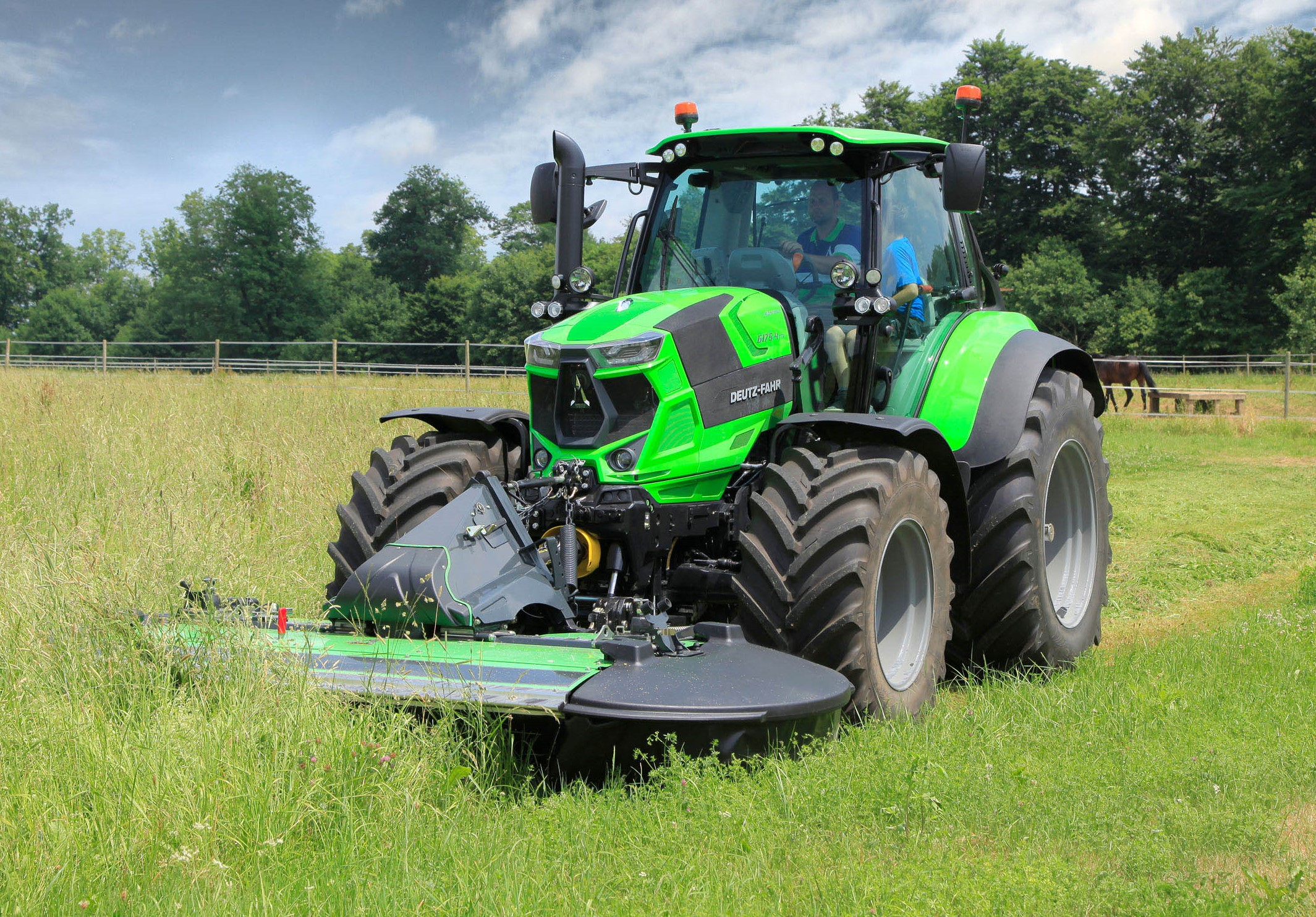 Manual Transmission >> Deutz-Fahr adds new beefy, 4-cylinder tractors to its line-up - Agriland