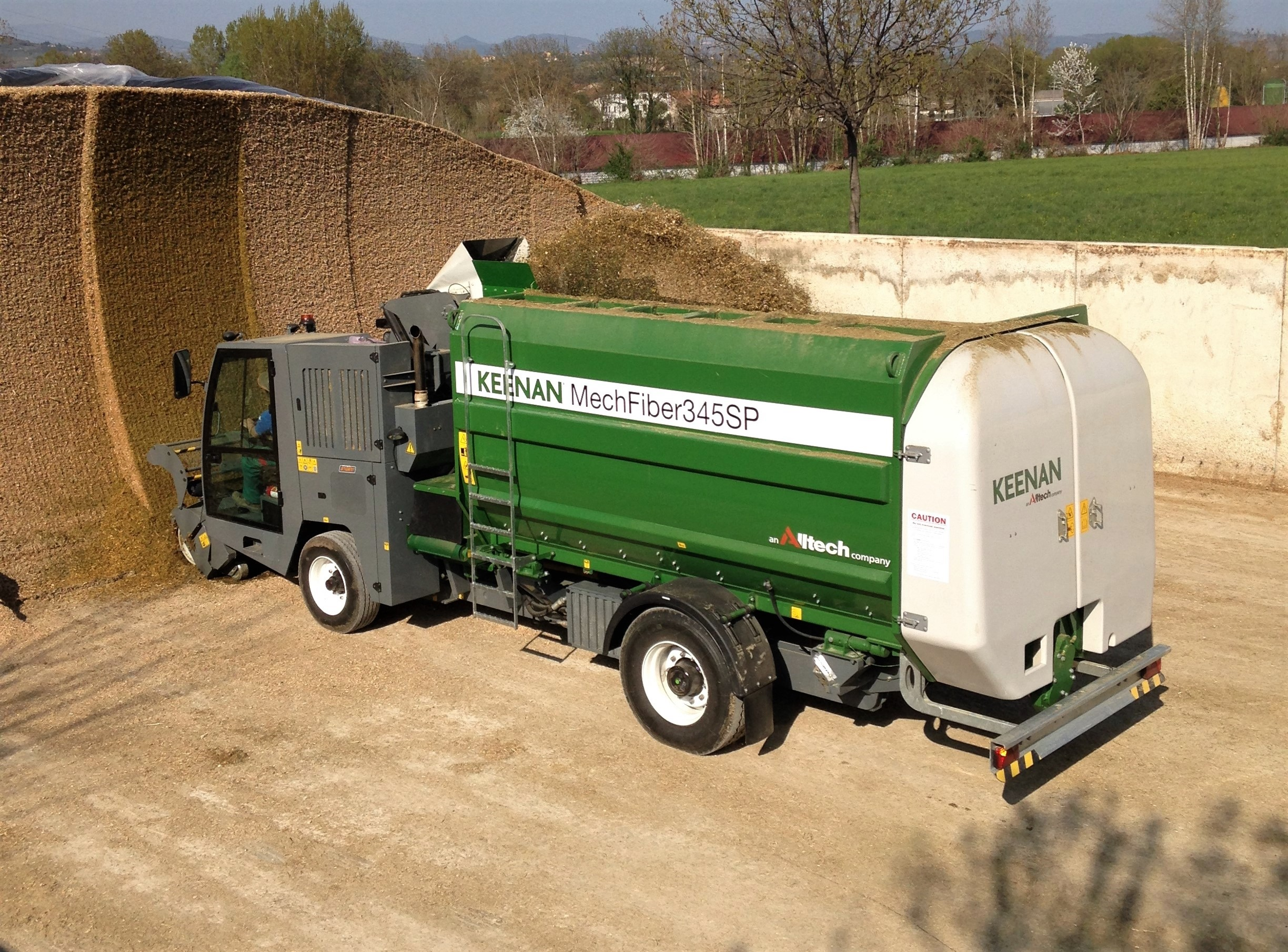 loads auger keenan ploughing ie feeder farming diet news agriland the self for up propelled