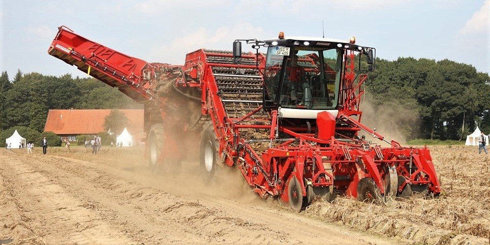 530hp 4 Row Giant Grimme Wheels Out Its Biggest Potato Harvester