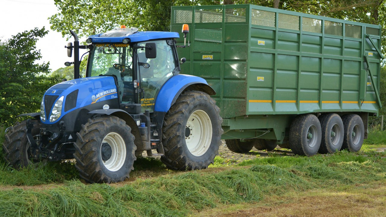 Contractors to meet with department on controversial 'fast' tractor rules