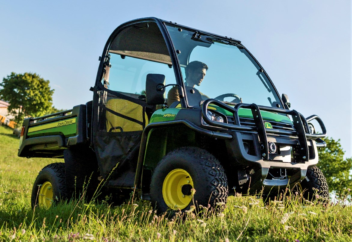 39 watch out for the gators 39 john deere to expand gator range. Black Bedroom Furniture Sets. Home Design Ideas