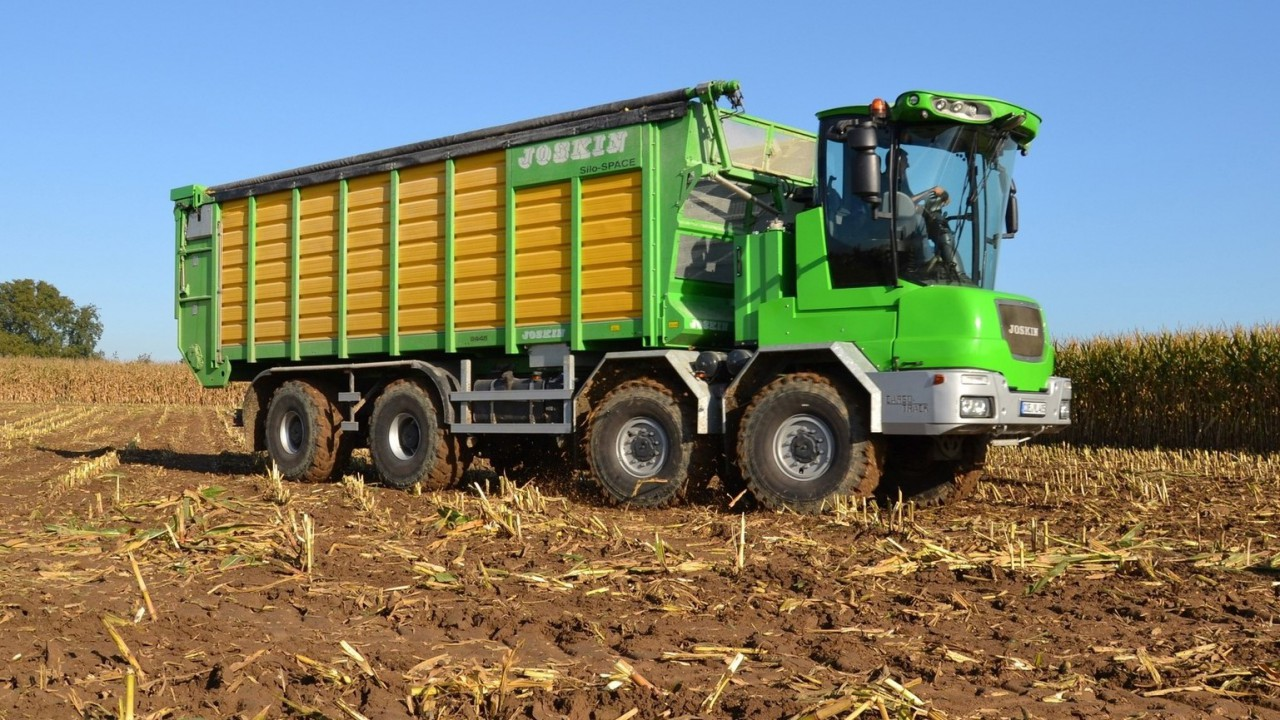 Fancy a self-propelled trailer for soggy conditions: Why not?