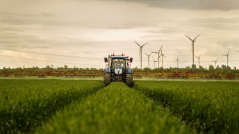 Is a sprayer that can identify weeds on the way?