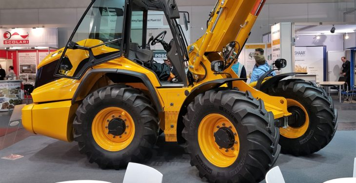 Pics: Can Venieri raise the stakes with its new, pivot-steer telehandler?