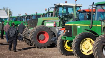 Auction report: Pics and prices of 'green' tractors from Cambridge auction